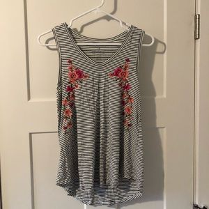 Tank top with floral stitching